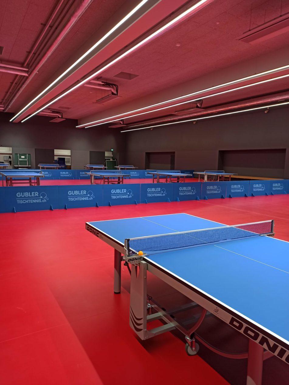 Salle tennis de table de la Vaudoise aréna. Venez découvrir le ping-pong avec le Lausanne Club Tennis de Table
