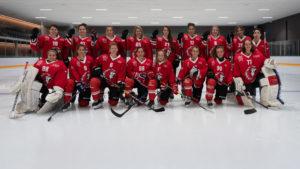 Photo d'équipe du LHCF, Lausanne hockey club féminin, à la Vaudoise aréna